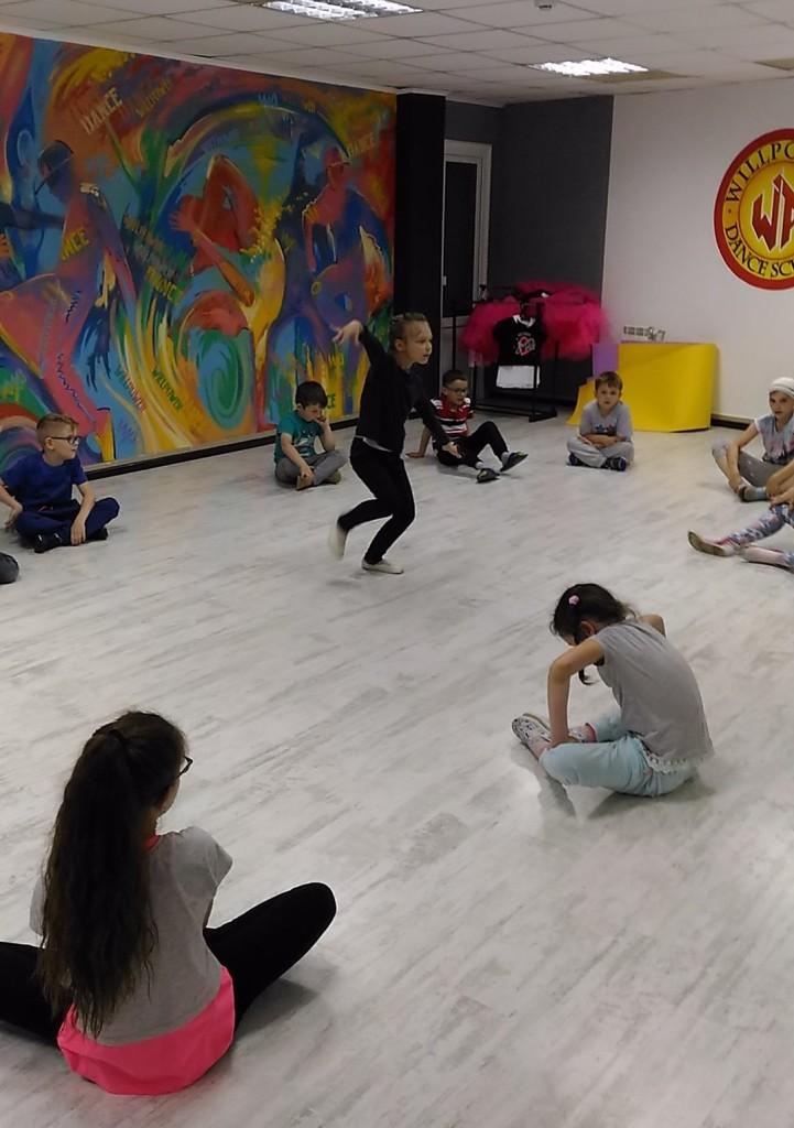 танцы 02